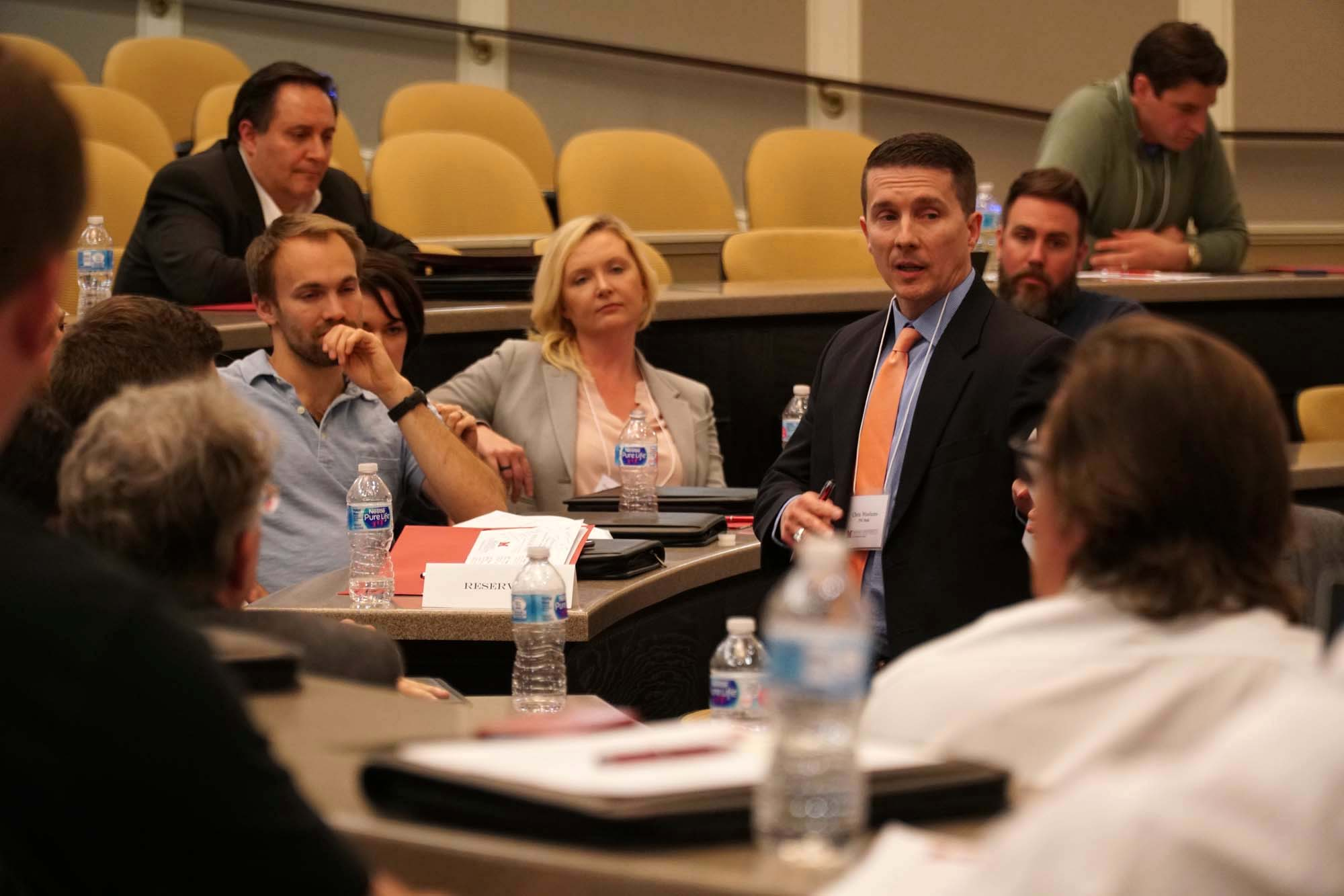 Industry judge talks to students and faculty at StartUp Pitch Competition